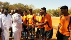 thirunagar hockey mayor01