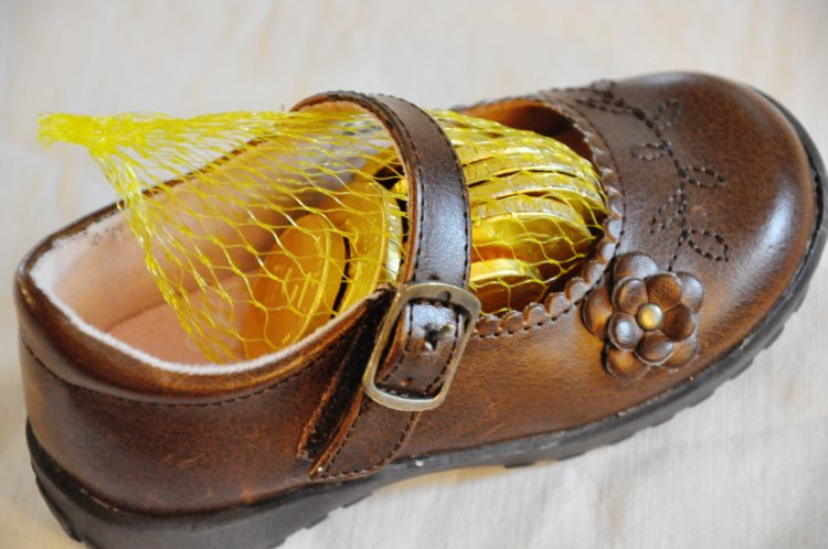 goldcoin_in_shoe01
