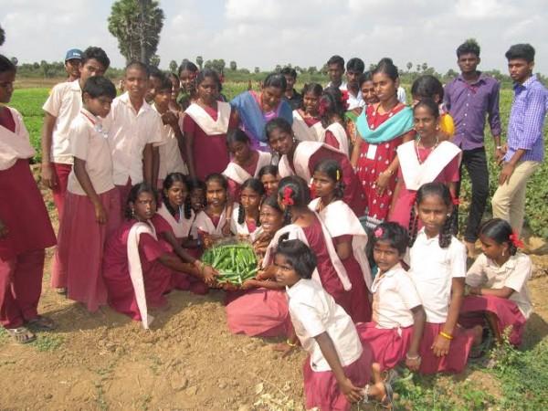 மாணிக்கவாசகர் பள்ளி, வேளாண்கல்லூரி களப்பணி02 :manickavasagampalli_agricollege02