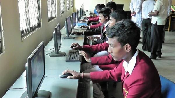 நிகழ்-மாத்தளை-இந்துக்கல்லூரி-கணிணிப்பிரிவு01 :nighazh_maathalaikaninimaiyam01