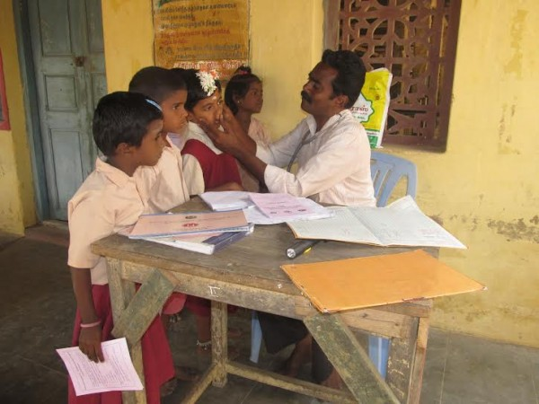 மாணிக்கவாசகம் பள்ளி, மருத்துவமுகாம்01 : nighazh_maruthuvamukaam_manikkavasakampalli01