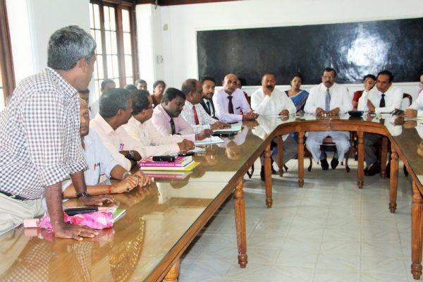 இரோயல்கல்லூரி-அமைச்சர்வருகை01 :royalcollege01