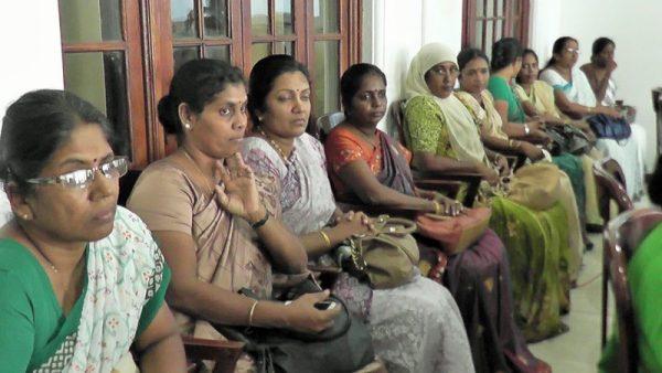 இரோயல்கல்லூரி-அமைச்சர்வருகை02 :royalcollege02