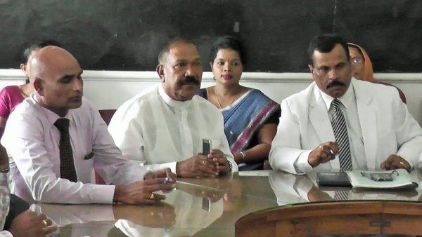 இரோயல்கல்லூரி-அமைச்சர்வருகை03 :royalcollege03