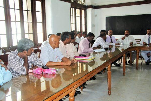இரோயல்கல்லூரி-அமைச்சர்வருகை09 : royalcollege09