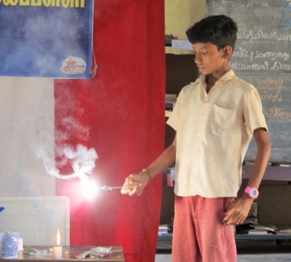 மாணிக்கவாசகம்பள்ளி, அறிவியல் ஊர்தி04 ;manickavasakampalli_mobliesciencevan04