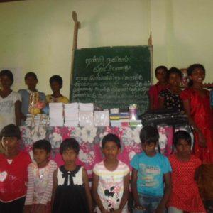 பாரதி பெண்கள் சிறுவர் இல்லச் சிறார்களுக்குக் கற்றல் துணைக்கருவிகள்