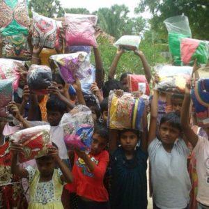 முல்லைத்தீவு, பாரதி பெண்கள் சிறுவர் இல்லத்தில் புத்தாடைகள் வழங்கல்